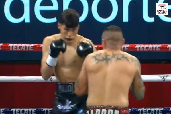 El joven Omar Aguilar venció en el primer asalto al exretador mundial Dante Jardón