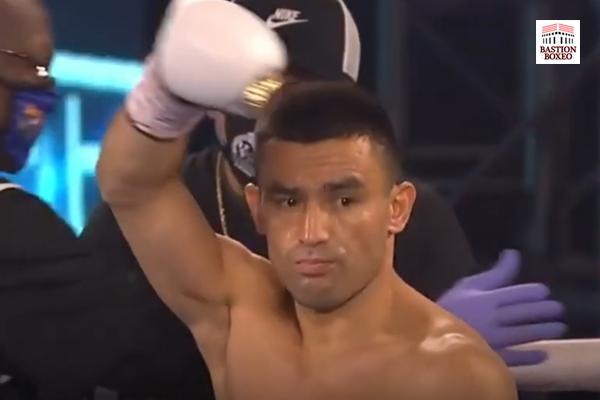Mominov logró triunfo unánime en trabajado combate contra Krael