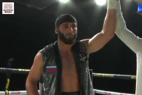 El peso semipesado Ali Izmailov ofreció sensacional actuación en su cuarto combate