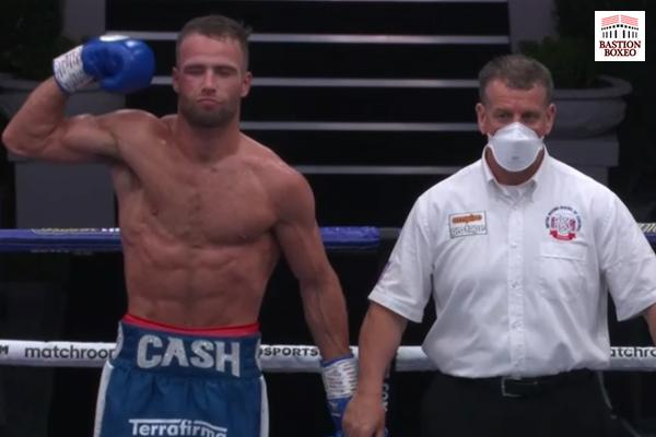 El peso medio Felix Cash retuvo su cinturón de la Commonwealth derrotando al exretador mundial Jason Welborn