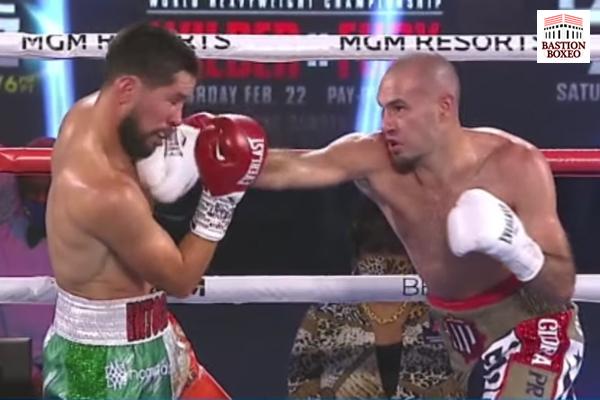José Pedraza impacta directo de derecha contra Javier Molina