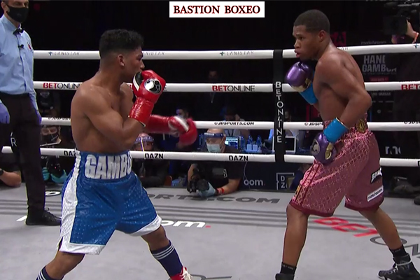 Imagen del combate entre Devin Haney y Yuriorkis Gamboa