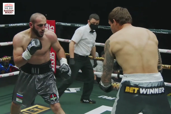Ali Izmailov se consagró definitivamente como insigne promesa del peso semipesado con KOT sobre Ruslan Fayfer (Vídeo completo de la velada)