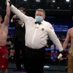 Evgenii Liashkov es proclamado ganador tras su pelea contra Oleksandr Yegorov