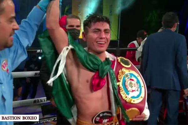 Alberto Machado tiró dos veces a la lona a Ángel Fierro pero éste se alzó y venció por knockout