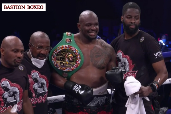 Whyte se desquitó venciendo a Povetkin en el cuarto asalto de una eliminatoria WBC del peso pesado