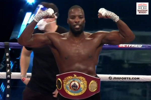 Lawrence Okolie se proclamó nuevo campeón mundial del peso crucero con triunfo en seis rounds sobre Glowacki