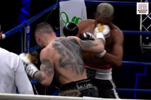 Michael Magnesi conecta el golpe de la victoria ante Khanyile Bulana