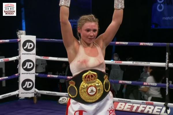 Savannah Marshall retuvo su cinto destruyendo a Lindberg y Shannon Courtenay se proclamó nueva campeona mundial