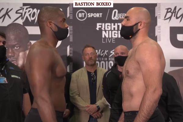 Cara a cara tras el pesaje para el combate Daniel Dubois vs. Bogdan Dinu