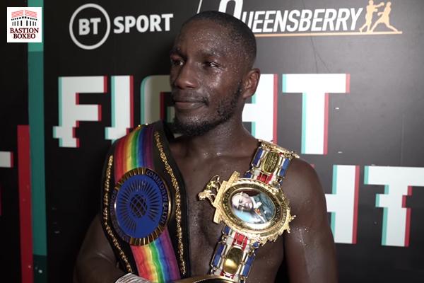 Ekow Essuman tras su proclamación como campeón británico y de la Commonwealth del peso wélter