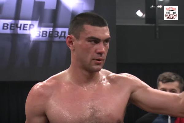 Evgeny Tishchenko después de su victoria ante Dmitry Kudryashov