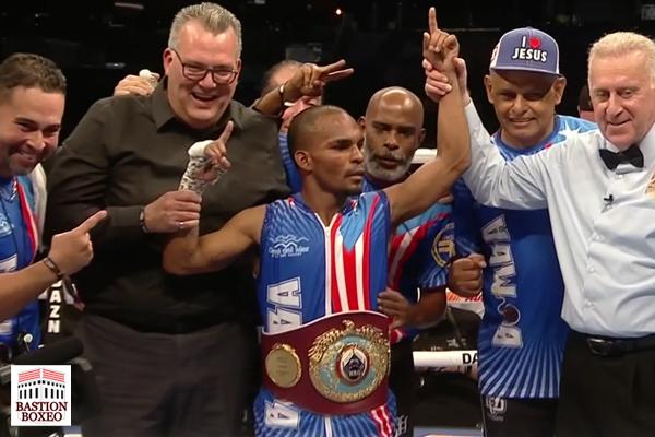 Jonathan González se corona campeón mundial ante Elwin Soto